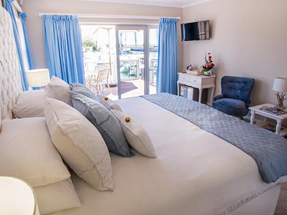 20171123_0057-room8-honeymoon